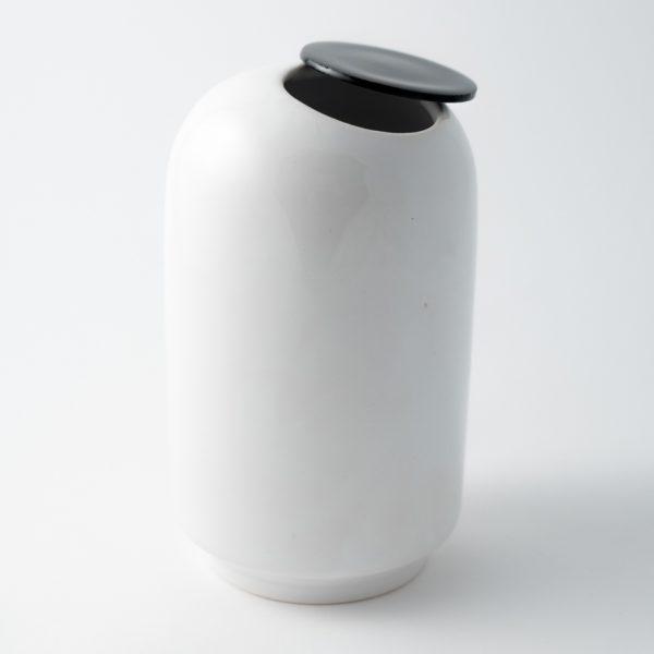 pierrot vaso scultura bianco e nero